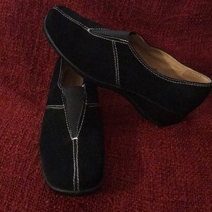 Black Suede Naturalizer Shoes NWOT Size 9